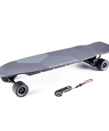Urban Kick electric skateboard with slick wheels and controller